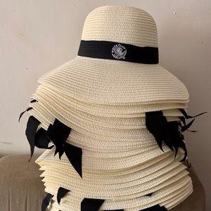 👒 6 LEFT - White Claw Beach Hats 👒